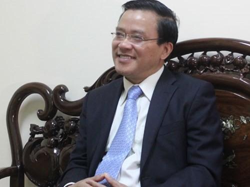 Ông Nguyễn Văn Pha, Phó Chủ tịch UBMTTQ Việt Nam trả lời phỏng vấn báo chí