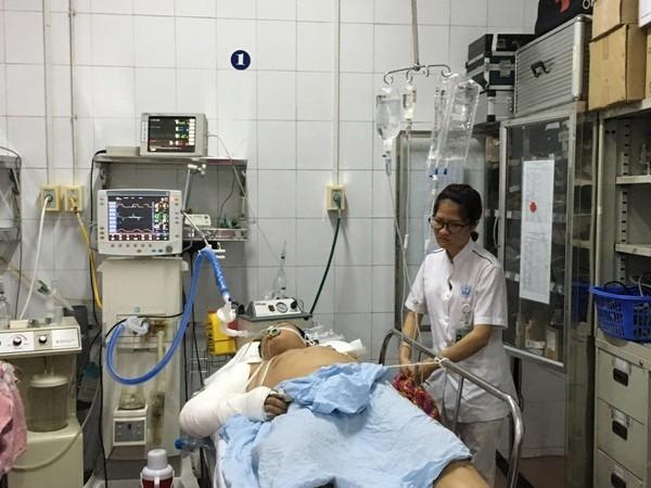 Bệnh viện Việt Đức: 4 ngày nghỉ lễ, 18 trường hợp vào cấp cứu do đánh nhau ảnh 1