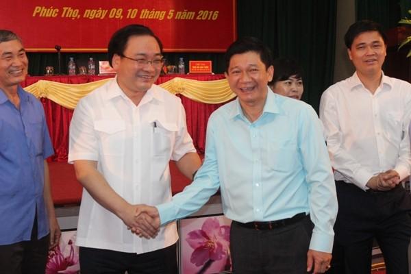 Bí thư Thành ủy Hà Nội Hoàng Trung Hải cùng những người ứng cử ĐBQH khóa XIV tiếp xúc cử tri tại huyện Phúc Thọ