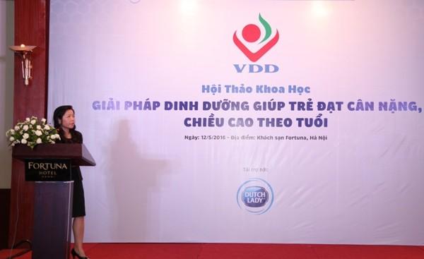 PGS.TS Lê Bạch Mai, Phó Viện trưởng Viện dinh dưỡng thông tin tại hội thảo