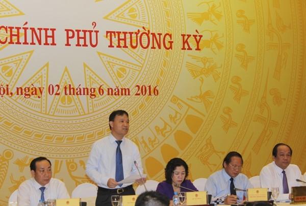 Thứ trưởng Bộ Công Thương Đỗ Thắng Hải trả lời báo chí chiều 2-6