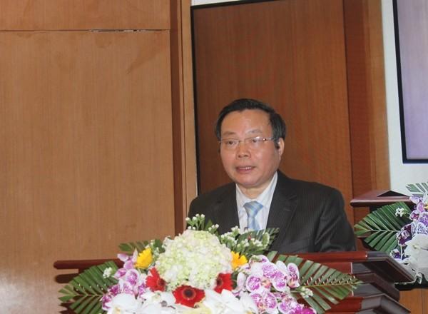 Phó Chủ tịch Quốc hội Phùng Quốc Hiển phát biểu tại buổi họp báo