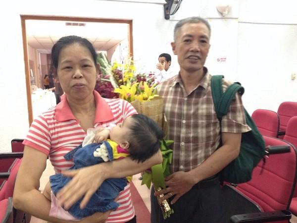 Chị Trần Thị Phúc sinh con ở tuổi 52, sau 10 năm vô sinh