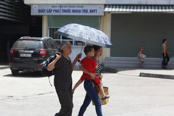Việc triển khai khám bệnh sớm trong mùa nắng nóng giúp bệnh nhân tránh phải chờ đợi, đi khám bệnh giữa lúc nắng nóng gay gắt