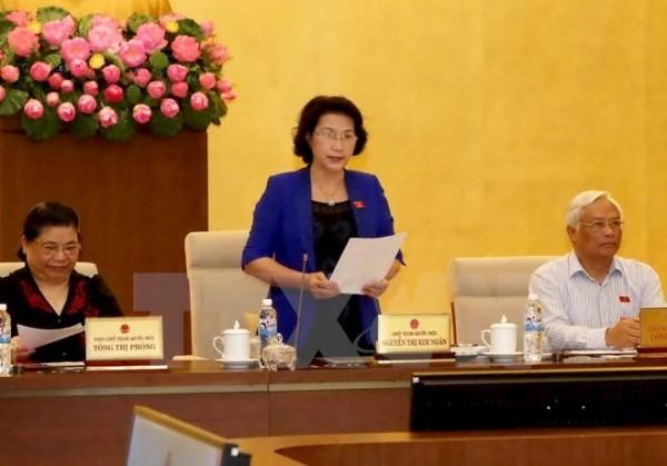 Chủ tịch Quốc hội Nguyễn Thị Kim Ngân điều hành phiên họp Ủy ban Thường vụ Quốc hội