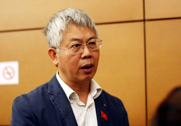 ĐBQH Nguyễn Đức Kiên trả lời báo chí bên hành lang Quốc hội