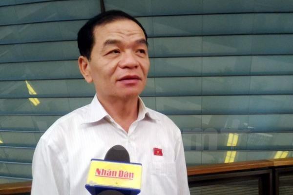ĐBQH Lê Thanh Vân bên hành lang Quốc hội