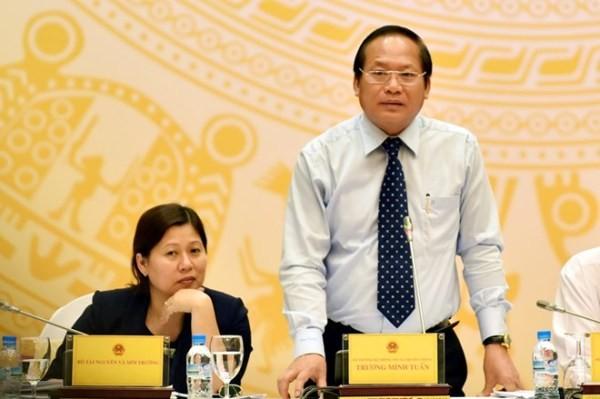 Bộ trưởng Bộ TT-TT Trương Minh Tuấn trả lời báo chí