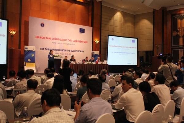 Bộ trưởng Bộ Y tế phát biểu tại hội nghị quản lý chất lượng bệnh viện sáng 18-8