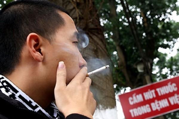 5 năm qua, tỷ lệ nam giới ở thành thị hút thuốc lá đã giảm được gần 7%