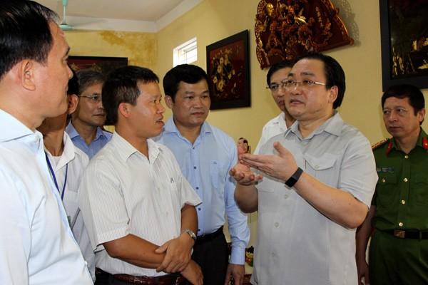 Bí thư Thành ủy Hoàng Trung Hải thăm làng nghề sơn mài tại huyện Thường Tín