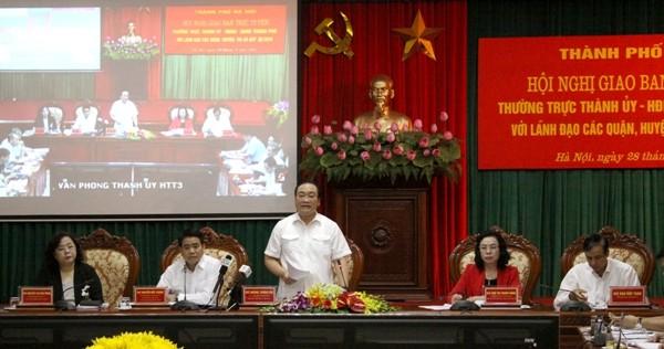 Bí thư Thành ủy Hoàng Trung Hải phát biểu chỉ đạo và giao nhiệm vụ cho các đơn vị