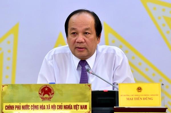 Bộ trưởng, Chủ nhiệm VPCP Mai Tiến Dũng trao đổi với báo chí