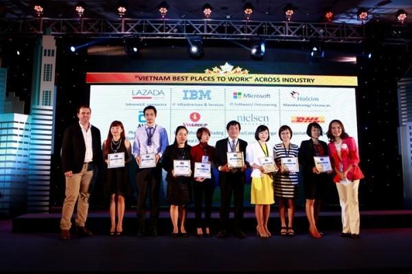 Có 100 doanh nghiệp được vinh danh nơi làm việc tốt nhất Việt Nam năm 2015