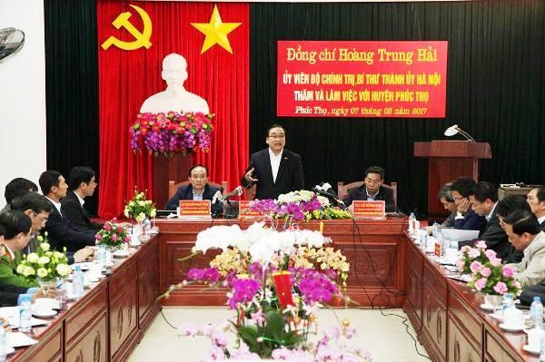 Bí thư Thành ủy Hà Nội Hoàng Trung Hải chỉ đạo tại buổi làm việc với huyện Phúc Thọ