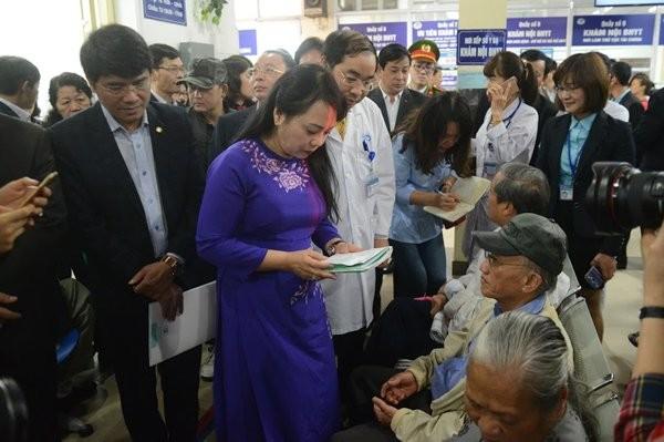 Tại thời điểm Bộ trưởng Bộ Y tế Nguyễn Thị Kim Tiến thị sát Bệnh viện Xanh Pôn,