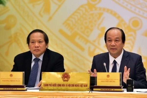 Bộ trưởng - Chủ nhiệm VPCP Mai Tiến Dũng (bên phải) và Bộ trưởng Bộ Thông tin & Truyền thông Trương Minh Tuấn chủ trì buổi họp báo