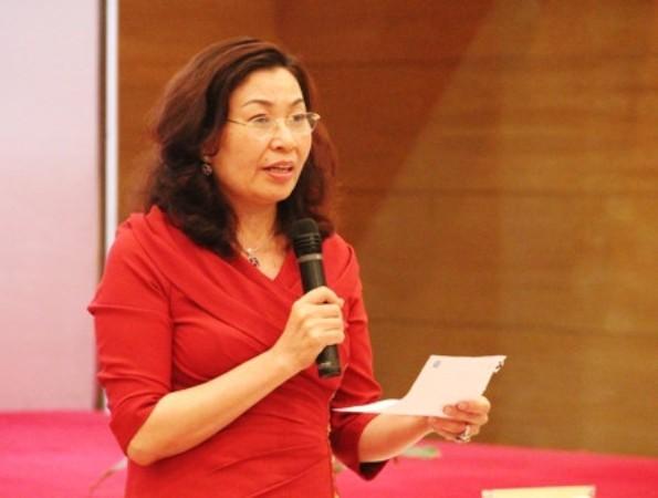 Tổng Giám đốc BHXH Việt Nam Nguyễn Thị Minh báo cáo tại phiên giải trình