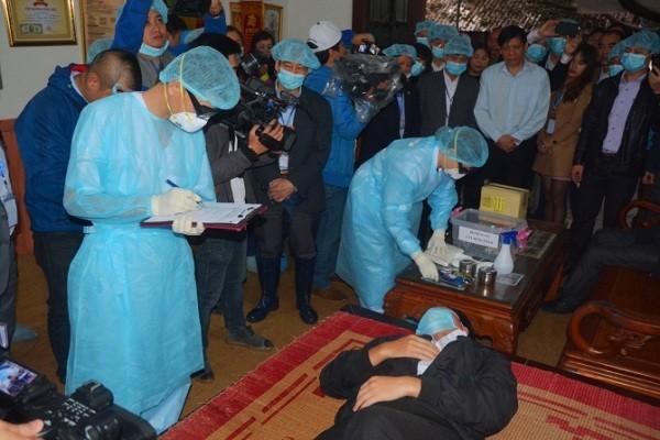 Các bộ chuyên môn đến tận nhà bệnh nhân nghi mắc cúm để xác minh,