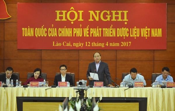 Thủ tướng Chính phủ Nguyễn Xuân Phúc phát biểu tại hội nghị (Ảnh: VGP)