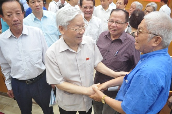 Tổng Bí thư Nguyễn Phú Trọng tiếp xúc cử tri quận Ba Đình, Tây Hồ (Hà Nội) sáng 13-5