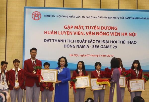 Hà Nội tặng Bằng khen, thưởng mỗi vận động viên đoạt Huy chương vàng SEA Games 55 triệu đồng ảnh 2