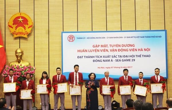 Hà Nội tặng Bằng khen, thưởng mỗi vận động viên đoạt Huy chương vàng SEA Games 55 triệu đồng ảnh 4