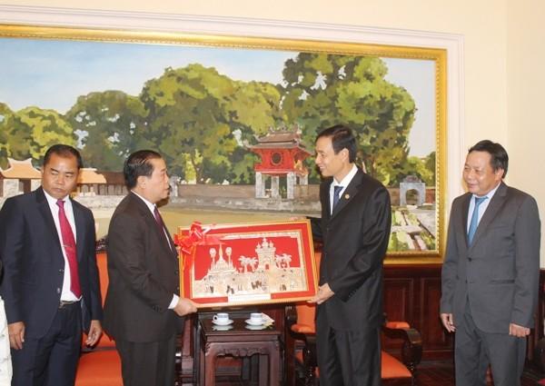 Phó Bí thư Thành ủy Hà Nội Đào Đức Toàn tiếp xã giao đoàn công tác
