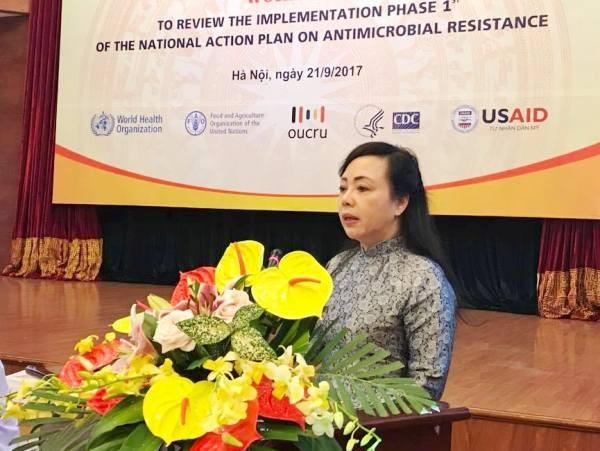 Bộ trưởng Bộ Y tế Nguyễn Thị Kim Tiến cảnh báo về tình trạng gia tăng vi khuẩn