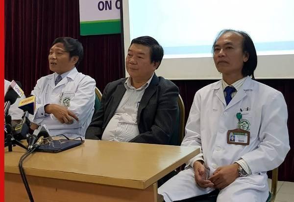 Các bác sĩ Bệnh viện Bạch Mai cung cấp thông tin về sức khỏe 3 trẻ sơ sinh ở Bắc Ninh