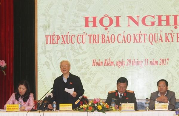 Tổng Bí thư Nguyễn Phú Trọng phát biểu tại buổi tiếp xúc cử tri quận Hoàn Kiếm