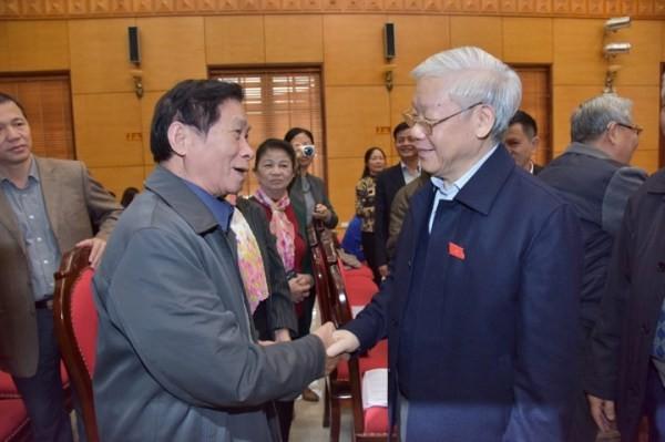 Tổng Bí thư Nguyễn Phú Trọng tiếp xúc cử tri quận Tây Hồ sáng 29-11