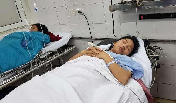 Chị Đặng Thị Th. đang điều trị tại Bệnh viện Việt Đức, chuẩn bị được phẫu thuật