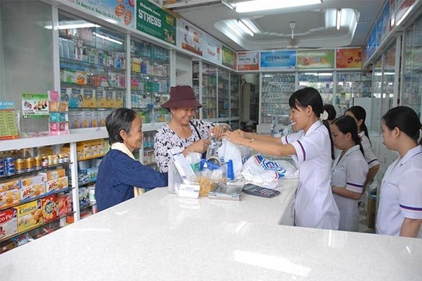 Bộ Y tế yêu cầu các nhà thuốc trực bán thuốc 24/24h trong dịp Tết
