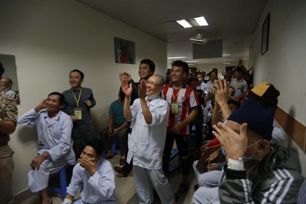 Nhiều bệnh viện tổ chức cho bệnh nhân tập trung xem đội tuyển U23 Việt Nam thi đấu