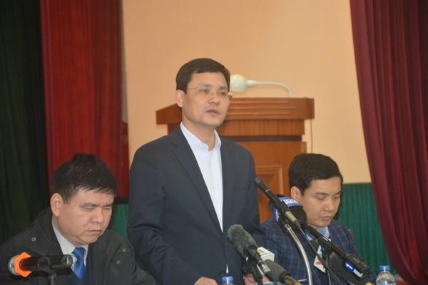 Ông Phạm Quý Tiên trao đổi với báo chí tại buổi họp giao ban