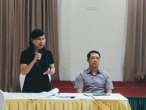 Bà Nguyễn Thị Kim Phụng và ông Nguyễn Đức Cường (Bộ GD&ĐT) trao đổi với báo chí về dư thảo Luật Giáo dục, Luật Giáo dục Đại học sửa đổi