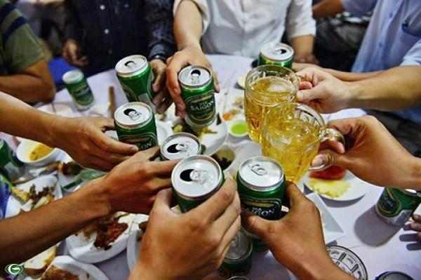 Đề xuất tăng thuế, tăng giá bán rượu bia ở Việt Nam