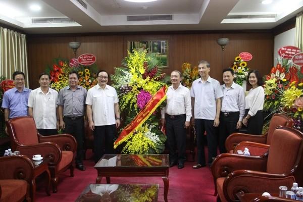 Bí thư Thành ủy Hà Nội Hoàng Trung Hải chúc mừng Ban Tuyên giáo Trung ương