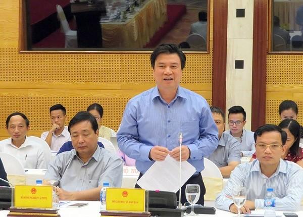 Thứ trưởng Bộ GD&ĐT Nguyễn Hữu Độ trả lời tại buổi họp báo