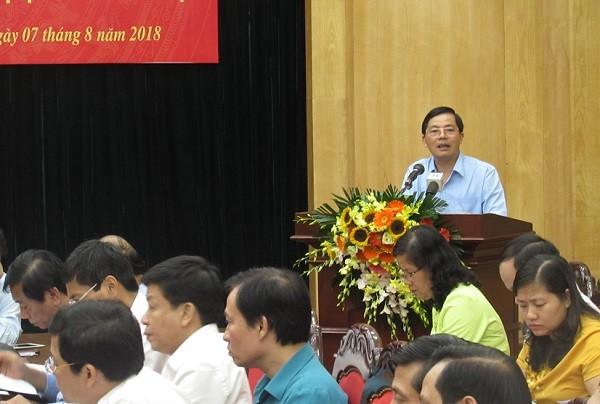 Giám đốc Sở Nội vụ Trần Huy Sáng trình bày dự thảo đề án thí điểm mô hình chính quyền đô thị tại Hà Nội