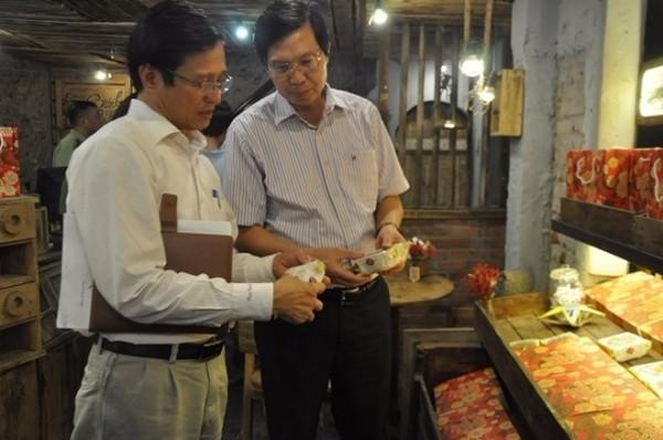Từ 10-8 vừa qua, Sở Y tế Hà Nội bắt đầu ra quân kiểm tra thị trường bánh Trung thu