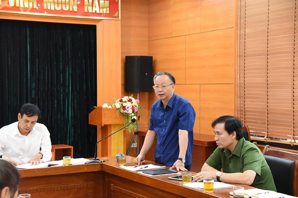 Phó Chủ tịch thường trực UBND TP Hà Nội Nguyễn Văn Sửu phát biểu tại buổi làm việc