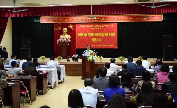 Bí thư Thành ủy Hoàng Trung Hải phát biểu tại buổi sinh hoạt đảng