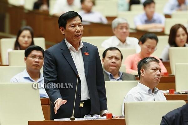 Bộ trưởng Bộ VH-TT&DL Nguyễn Ngọc Thiện tại diễn đàn Quốc hội (Ảnh: Quốc hội)