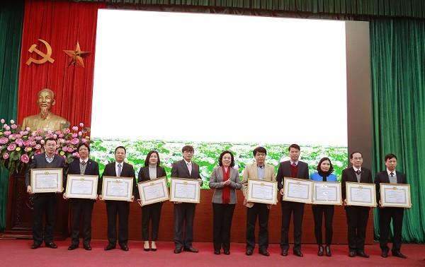 10 tập thể và 10 cá nhân của ngành Tuyên giáo Hà Nội được nhận Bằng khen của Ban Thường vụ Thành ủy Hà Nội