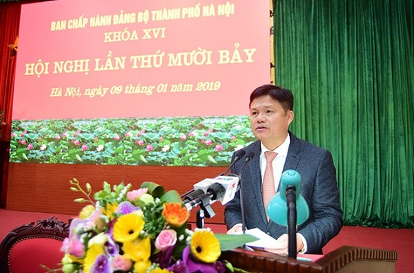 Trưởng Ban Tổ chức Thành ủy Hà Nội Vũ Đức Bảo báo cáo tại hội nghị
