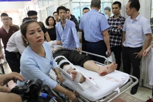 Các y, bác sĩ trực cấp cứu tại Bệnh viện Việt Đức trong những ngày Tết vừa qua rất vất vả