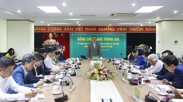 Bí thư Thành ủy Hoàng Trung Hải phát biểu chỉ đạo tại buổi làm việc