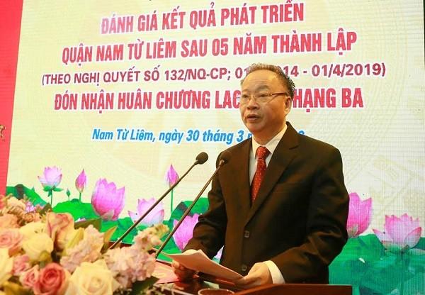 Phó Chủ tịch Thường trực UBND TP Hà Nội Nguyễn Văn Sửu phát biểu giao nhiệm vụ cho quận Nam Từ Liêm